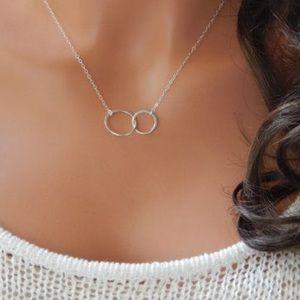Silver Double interlocking circle necklace